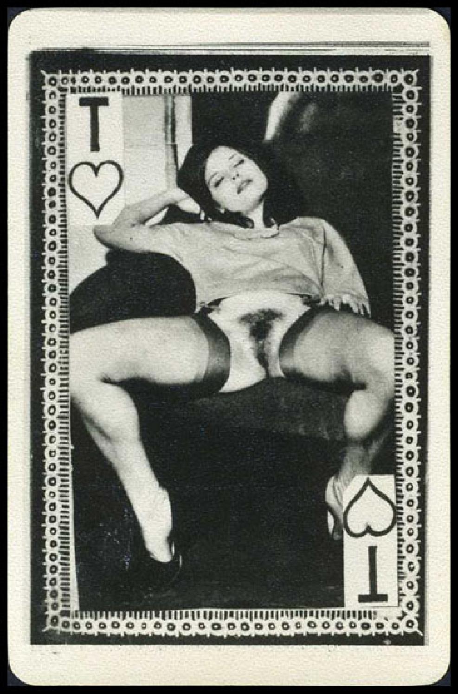 igralnie-karti-eroticheskie-frantsiya